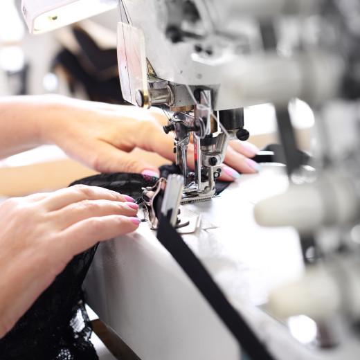 Maszyny do produkcji tekstyliów i odzieży